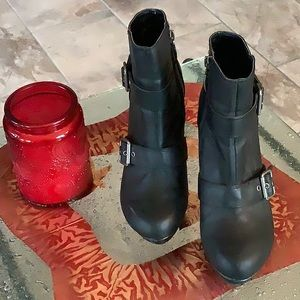 Guess Buckle Stiletto Booties Black 8.5M